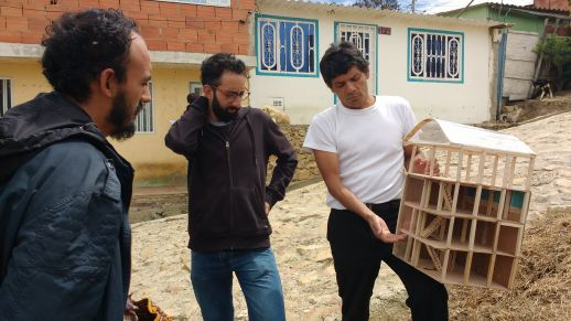 Miguel explaining his project idea to Arquitectura del Oximoron